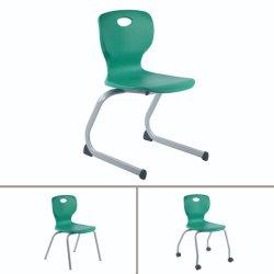 Moderne Schule Klassenzimmer Schreibtisch und Kunststoff pädagogische Schule Student Chair