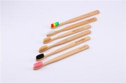 Toothbrush di bambù poco costoso infuso carbone di legna naturale organico biodegradabile ecologico professionale delle setole