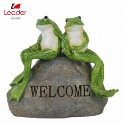 Best-seller assis grenouille sur pierre avec jardin de signe de bienvenue, statue de grenouille, de la Résine d'animaux des statues de jardin
