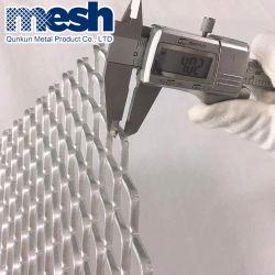 Varões para betão em malha de metal expandido