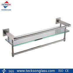 角が長方形の強化ガラス製棚板付き。バスルームに最適です
