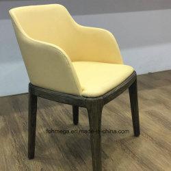 Estofos em couro de estar salão cadeira de madeira sólida com os braços para o átrio do Hotel Restaurante Shisha
