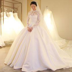 ملابس الزفاف الطويلة العروس الكروي العروس العروس اللامعة من الساتان H14106