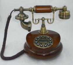 هاتف قديم خشبي (1025)