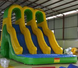 運動場の膨脹可能な製品のスライドは子供のためのゲームを遊ばす