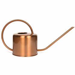 銅によって着色されるステンレス製の水まき缶