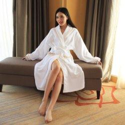 Оптовая торговля супер мягкий белый 100% велюровой тесьмой халат