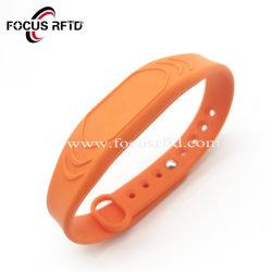 De waterdichte Armband van de Manchet van het Silicium van MIFARE 1K /Tk4100 RFID voor Toegangsbeheer en Gebeurtenis