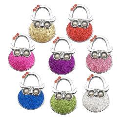 Le design de mode en alliage de zinc métal personnalisée de gros de l'émail Glitter sac sac à main crochet pivotant Table pliable top bag pour cadeau de promotion de crochet de suspension