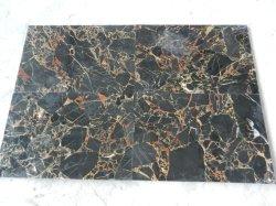 Oro Negro de la pared interior de mármol y fronteras, bordeando la placa de zócalo de azulejos y suelos de mármol y mosaicos