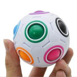2020の子供および大人のAnti-Stress球のための創造的で多彩な魔法の虹の球12の穴の落着きのなさの困惑のおもちゃの球