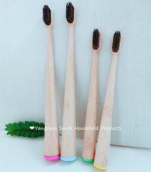Nuovo spazzolino biodegradabile in bambù attivo al carbone con verniciatura