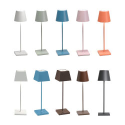 Intérieur en extérieur moderne Portable LED étanche sans fil rechargeable Lampe de table de bureau pour les restaurants