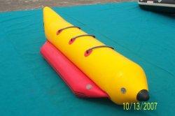 Lo sport di acqua gonfiabile gioca la barca di banana per la persona 3