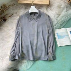 Col chemise de soie avec dentelle