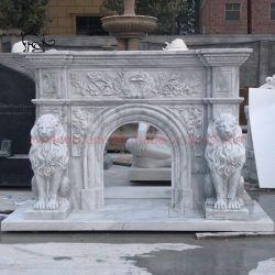 工場カスタムモダン装飾の手彫りのライオン像の暖炉マンテル Carrara 大理石の暖炉