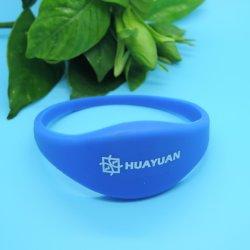 Rabais de 15 % de la piscine le contrôle des accès réutilisables 13,56 MHz MIFARE NFC CLASSIC PERSONNALISÉ HF EV1 1K ID Silicone bracelet RFID