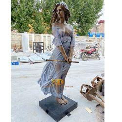 China Factory Casting Life Size mooi standbeeld van de staande dame Brons Op Voorraad Bronzen beeldhouwkunst te koop