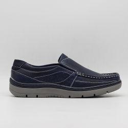 歩きやすく適切なビジネスカジュアルオックスフォード様式の人の靴が付いている最新のモデル