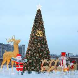عملاق خارجي كبير 30 قدمًا 40 قدمًا 50 قدمًا شجرة عيد الميلاد الخفيفة LED مع نجمة لديكور الكريسماس