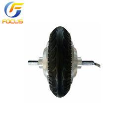 La marcha de 8 pulgadas de la rueda del eje de doble motor con un elevado par motor