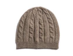 かわいいケーブルは純粋なカシミヤ織の赤ん坊の一定の帽子、手袋、靴を編んだ