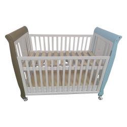 سرير أطفال خشبي سرير أطفال تخفيضات ساخنة تصاميم تنافسية مجموعة أثاث غرفة نوم الطفل كرادل سوينغ للأطفال