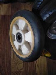 Outil de base en caoutchouc de 8 pouces ou de caoutchouc Wheelwhite Roue pleine