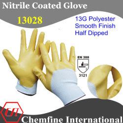 13G witte Polyester Gebreide Handschoen met de Gele Vlotte Deklaag van het Nitril