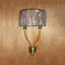 De holle Buis van het Glas met de Lamp van de Muur van de Schaduw van de Stof