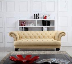 Dernière conception De luxe salle de séjour un canapé-italien de l'Europe sellerie Vintage classique en touffes Chesterfield 3 places bouton coupe Cheap Antiqe Salon canapé en velours