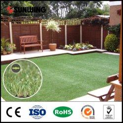 Installation facile 20mm de hauteur de l'herbe verte artificielle Tile
