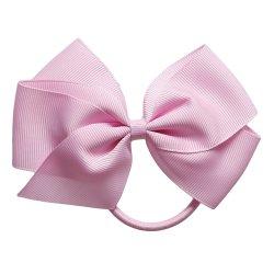 ピンクのGrosgrainのリボンの毛のちょうネクタイを手作りしなさい