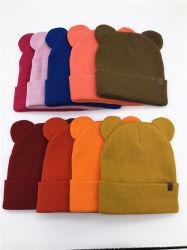 2 Bouchon de Mignon de l'oreille de haute qualité 100% acrylique populaire bon marché de gros multi couleurs Beanie Hat