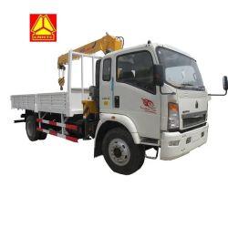 Camion-grue Sinotruk HOWO Lumière avec 6 tonnes de capacité de levage