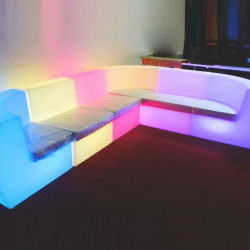 Горячая продажа пластмассовый стержень стул ночной клуб под руководством холл мебель диван устанавливает загорается светодиод диван