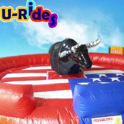 Bull meccanico gonfiabile nero per uso parco giochi
