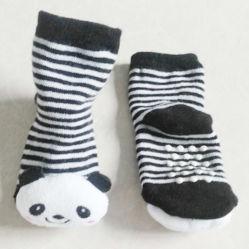 Heiß, viele Karikatur-Gleitschutzbaby-Socken der Entwurfs-3D verkaufend