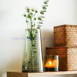 골입 모양의 중앙을 위한 현대적인 사다리꼴 유리 꽃병 웨딩 장식 녹색 골든 림 인간 블로우 버드 플라워 꽃병