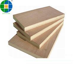 家具の使用法のための2.7 - 18mmの家具の等級のOkoume Bintangorのベニヤのポプラのコア商業合板