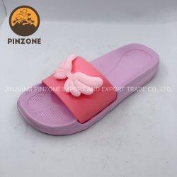 子供のためのPVC女の赤ちゃんの靴の子供のサンダルのスライドのスリッパ