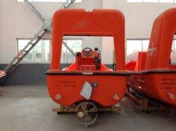 De Boot van F.R.P Rescue met Kraanbalk &Crane