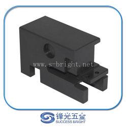 Kundenspezifisches schwärzendes Verteilerschieber-Teil des Stahl-ASTM5140 CNC maschinell bearbeitetes für automatischer Draht-quetschverbindenmaschine (S-087)