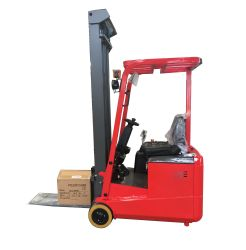3wheel Full Electric Forklift Truck met 4.5m Triplex Mast