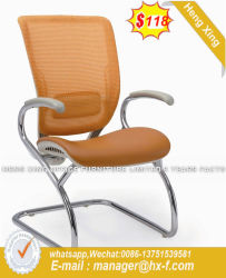 人間工学的ファブリック網の会議の椅子をトレインしているオフィスの学校の会合のレセプション