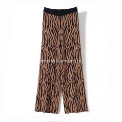 Los suéteres pantalones tejidos de señoras con árbol Jacquardak suéter20857