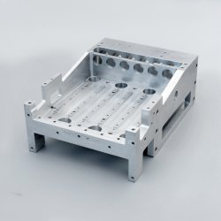 Grande précision en alliage aluminium machine La machine de traitement de pièces d'usinage CNC