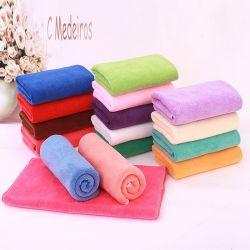 قماش تنظيف أفضل جودة مخصصة من حيث الحجم والألياف الدقيقة الملونة