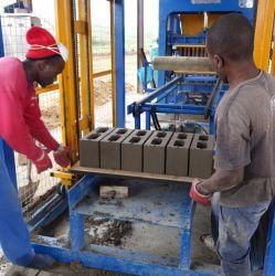 Qt acessível6-15 Automático do Sistema Hidráulico da argila/Concreto/cimento Espalhadoras Stone/sólidos/Bloco oco e máquina para fabricação de tijolos para a África