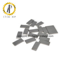 De minces plaques de carbure cimenté pour la coupe du bois
